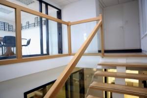 escalier et chassis vitré